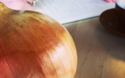 Why You Should Give Your Lover an Onion